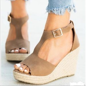 Shoes - NOW AVAILABLE ⭐️ Spring Espadrille Wedge- Mocha